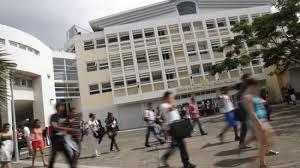 les grandes écoles et les universités françaises ne rouvriront qu'en septembre.
